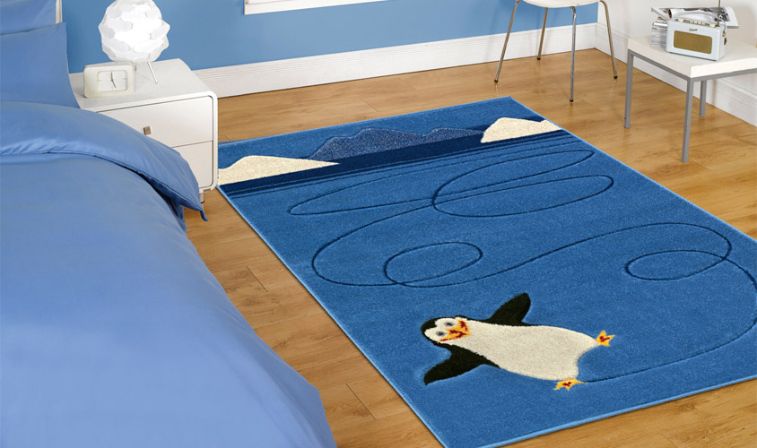 Tappeti Colorati Per Camerette : Tappeto per bambini con disegno pinguino joy j floorita srl